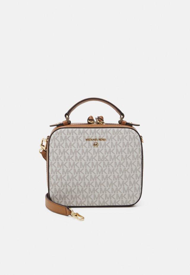 JET SET CHARM XBODY - Handbag - vanilla