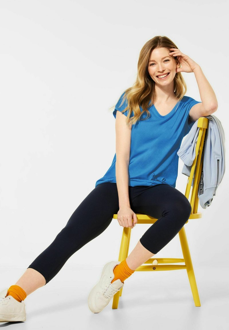 Cecil - MIT SMOK-DETAILS - Basic T-shirt - blau