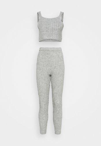 COZY SET - Top - grey