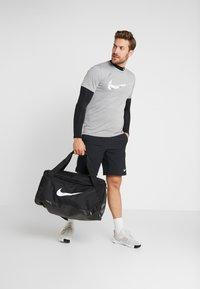 Nike Performance - Träningsshorts - black/smoke grey/white - 1