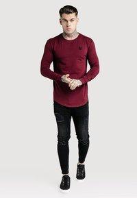 SIKSILK - GYM TEE - Long sleeved top - burgundy - 0