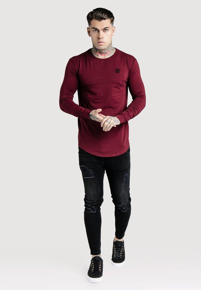 SIKSILK - GYM TEE - Long sleeved top - burgundy
