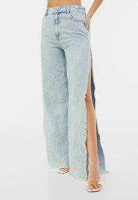 Bershka - WIDE LEG - Flared Jeans - light blue - 0