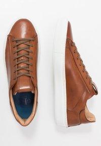 Giorgio 1958 - Sneakersy niskie - cognac - 1