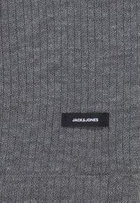 Jack & Jones - JACTUBE SCARF - Scaldacollo - grey melange - 2