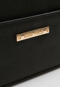 Anna Field - Lommebok - black - 5