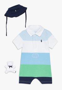 Polo Ralph Lauren - LIFESAVER APPAREL ACCESSORIES GIFT BOX SET - Baby gifts - beryl blue - 0
