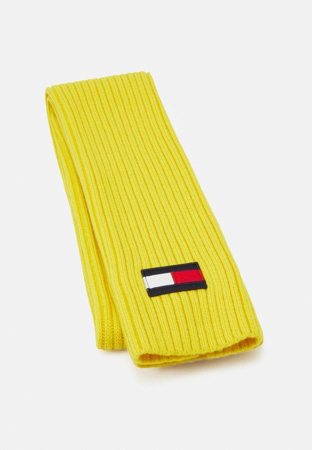 BIG FLAG SCARF - Scarf - yellow
