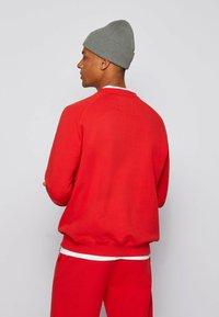 BOSS - Sweatshirt - red - 2