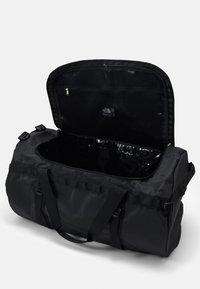 The North Face - BASE CAMP DUFFEL XL UNISEX - Sports bag - black/white - 2