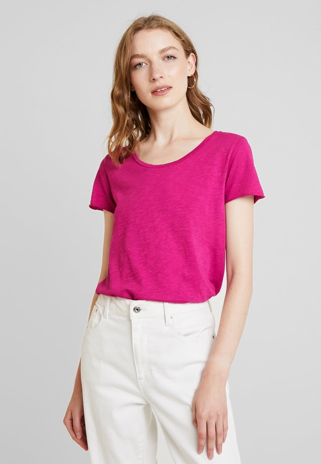 Basic T-shirt - raspberry pink