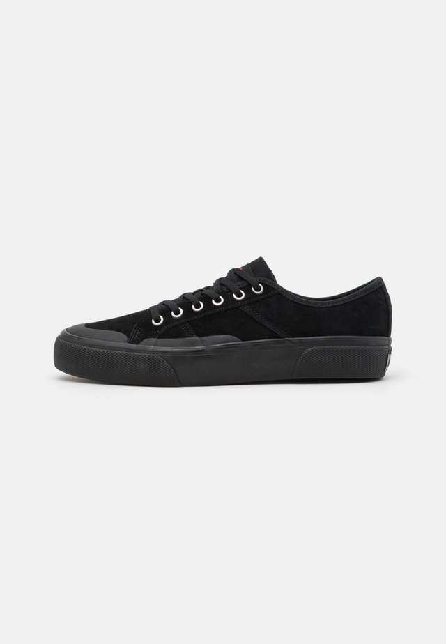 SURPLUS - Matalavartiset tennarit - black