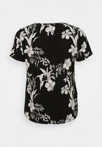 ONLY Carmakoma - CARLUXINA - Print T-shirt - black - 1