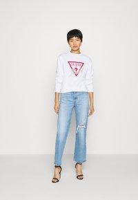 Guess - ICON - Sweatshirt - true white - 1