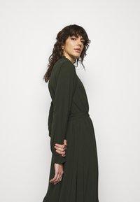 Bruuns Bazaar - NORI SICI DRESS - Shirt dress - green night - 4