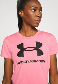 Under Armour - LIVE SPORTSTYLE GRAPHIC - T-shirt imprimé - pink lemonade - 4
