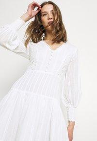 Lace & Beads - ELIZA DRESS - Košilové šaty - white - 4