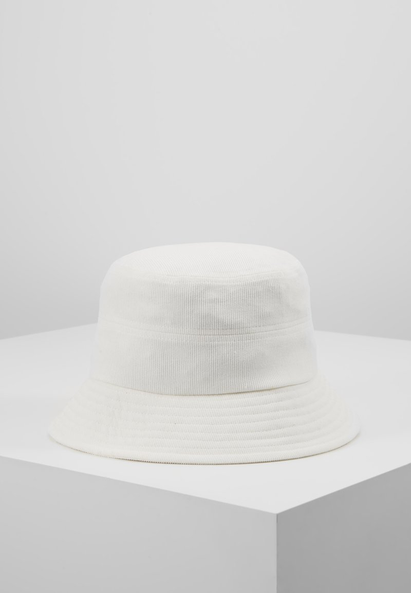 Object - Cappello - white sand