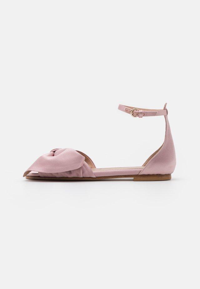 Sandaalit nilkkaremmillä - rose baby