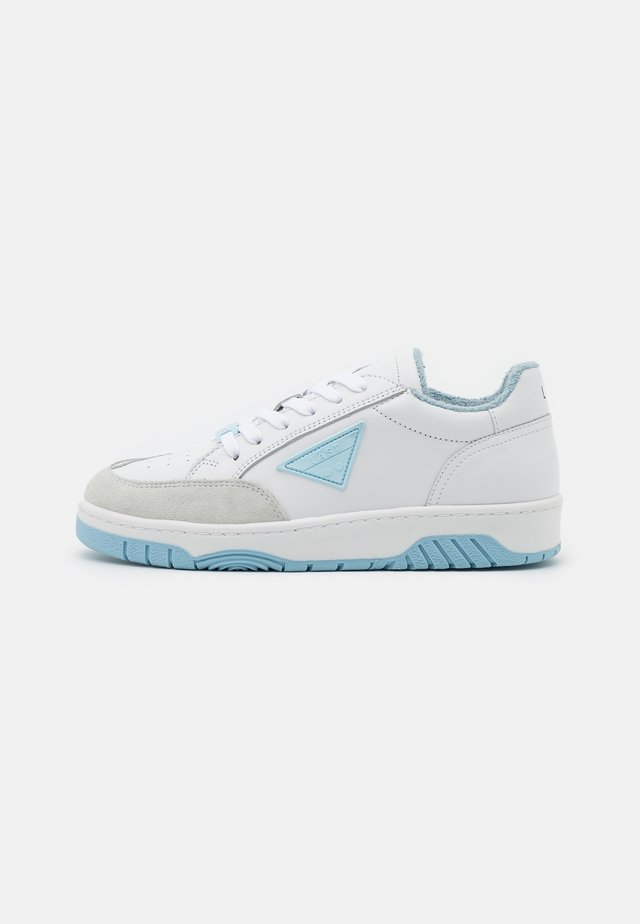 BALL - Trainers - white/blue