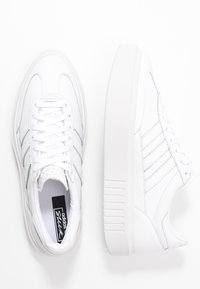 adidas Originals - SLEEK SUPER 72 - Matalavartiset tennarit - footwear white/crystal white - 3