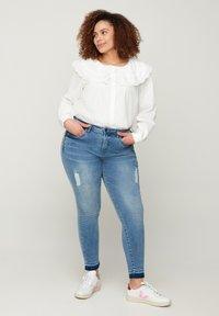 Zizzi - Slim fit jeans - blue - 0