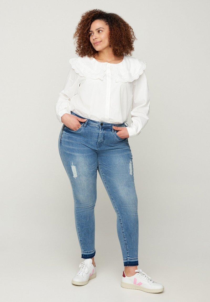 Zizzi - Slim fit jeans - blue