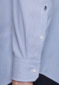 Seidensticker - SLIM FIT - Shirt - blue - 5
