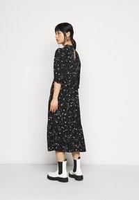 New Look Petite - PIECRUST PUFF STAR DRESS - Vestido informal - black - 2