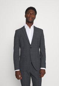 Selected Homme - SLHSLIM MYLOLOGAN SUIT - Kostym - dark grey - 2