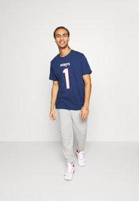 Fanatics - NFL CAM NEWTON NEW ENGLAND PATRIOTS ICONIC NAME & NUMBER GRAPHIC - Club wear - navy - 1