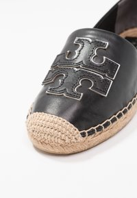 Tory Burch - INES - Espadrilky - perfect black/silver - 2