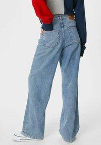 C&A - ARCHIVE - Bootcut jeans - denim light blue - 2