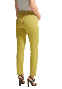 comma - Slim fit jeans - green - 1