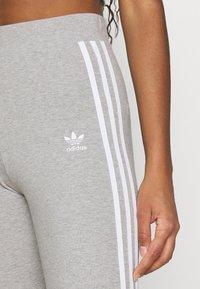 adidas Originals - STRIPES COMPRESSION - Leggings - Trousers - medium grey heather - 5