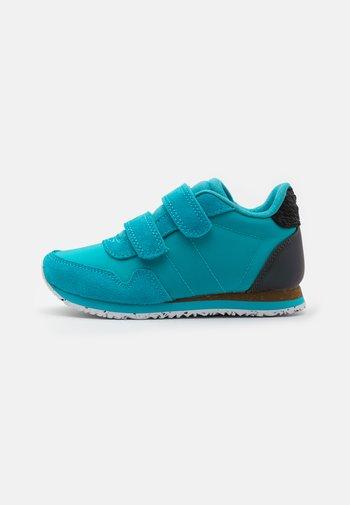 Trainers - scuba blue