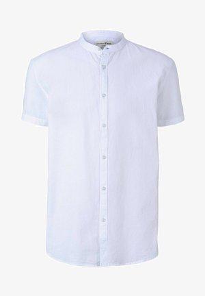 MIT STEHKRAGEN - Overhemd - white