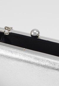 Dorothy Perkins - BALL CLASP BOX  - Clutch - silver - 4