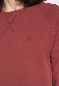 Les Deux - CALAIS - Sweatshirt - rust red - 4