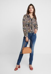 Mavi - LINDY - Slim fit jeans - deep ocean glam - 1