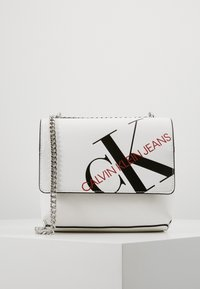 Calvin Klein Jeans - SQUARE FLAP XBODY - Across body bag - white - 0