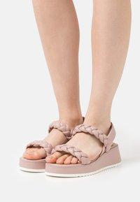 Tamaris - Korkeakorkoiset sandaalit - dusty rose - 0