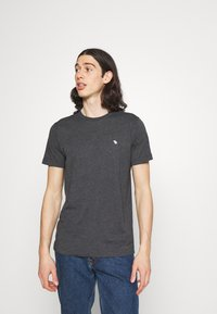 Abercrombie & Fitch - NEUTRAL CREW MULTI 5 PACK - T-shirt basic - white/yellow/green/blue/black - 4