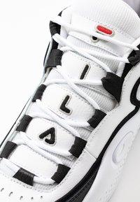 Fila - GRANT HILL 3 - Sneakersy wysokie - white/black - 5