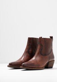 Billi Bi - Cowboy/biker ankle boot - old iron cognac - 4
