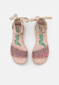 Wonders Green - Platform sandals - tonga pink - 5