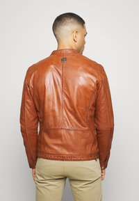 Freaky Nation - EASY JIM - Leather jacket - cognac - 2