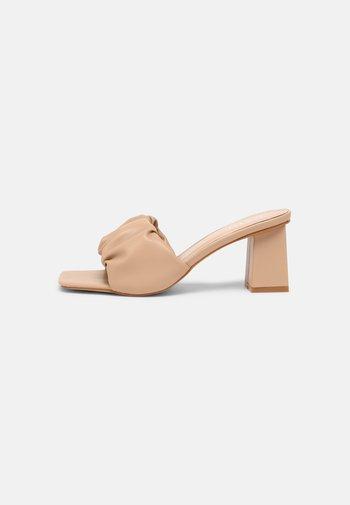 JAYLA - Heeled mules - camel