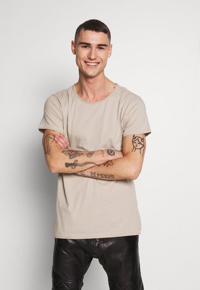 WREN - Basic T-shirt - sand