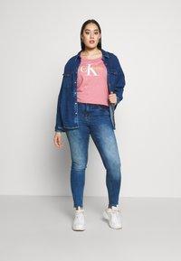 Calvin Klein Jeans Plus - VEGETABLE DYE MONOGRAMTEE - Print T-shirt - brandied apricot - 1